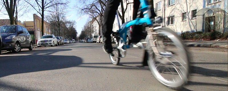 bike2work every day: Mit dem Brompton Faltrad auf dem Weg zur Arbeit in unserem Faltrad Shop BOXBIKE in Berlin